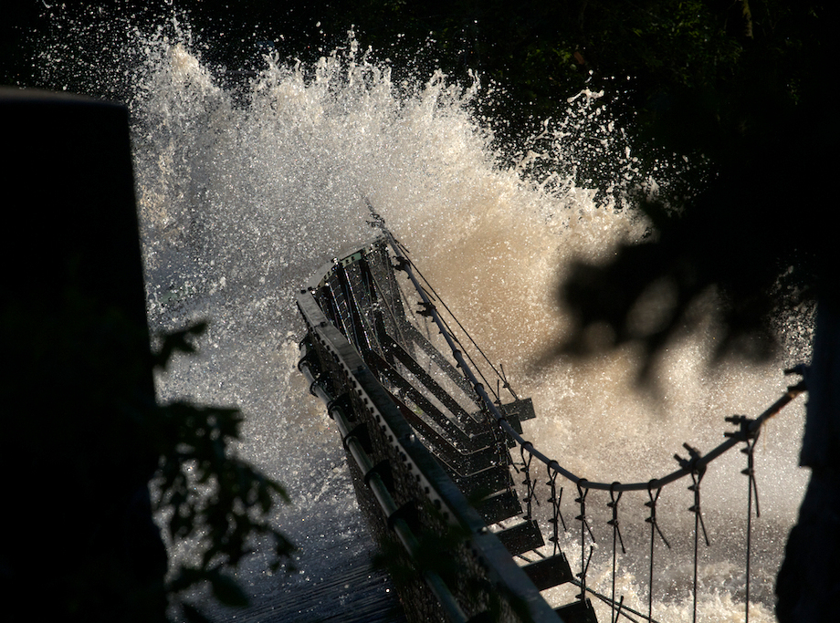 05-Best2012 Swinging bridge flood IMG_0058741